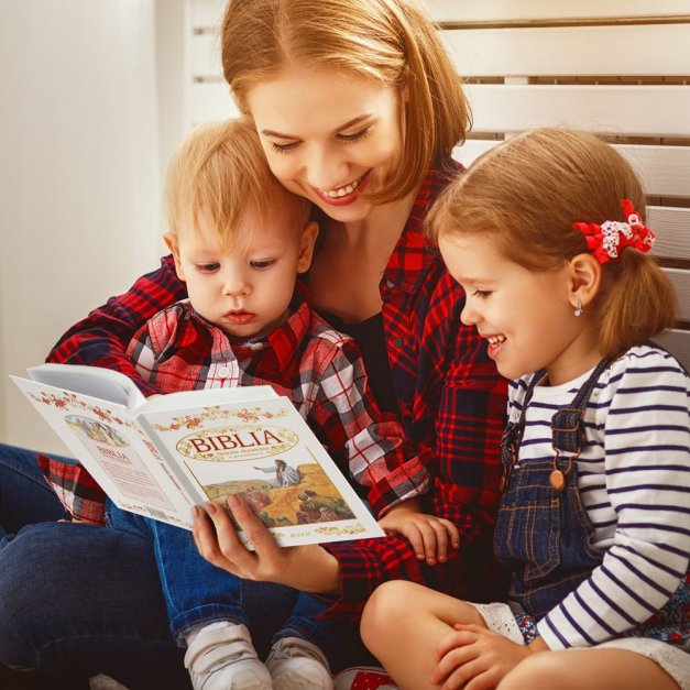 Biblia Dla Dzieci Z Drewnianym Etui Nadruk Aniołek Na Roczek
