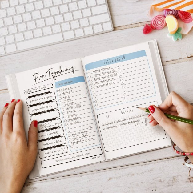 Planner kalendarz książkowy z nadrukiem dla niej miłośnika gór podróżnika