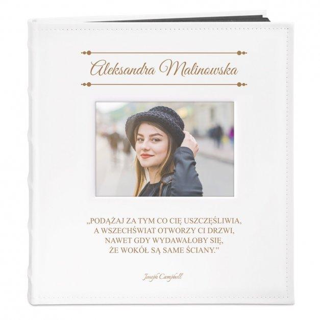 Album z Okienkiem Dla Niej na Urodziny Ozdobny Grawerowany
