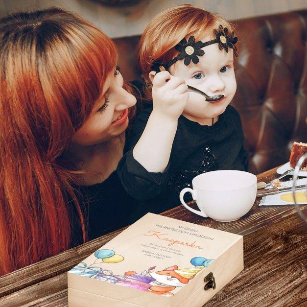 Zestaw Sztućców Dla Dzieci W Drewnianym Etui Nadruk Urodziny