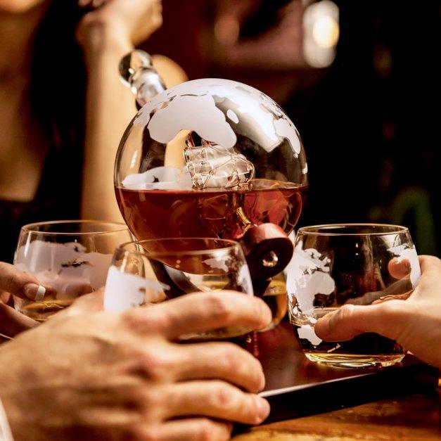 Zestaw do whisky karafka z grawerem GLOBUS 4 szklanki Gentleman