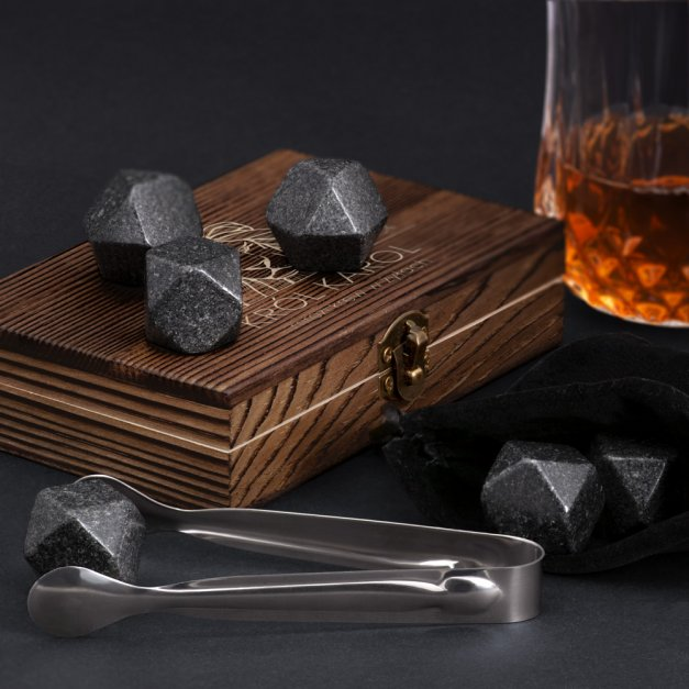 Kamienie do whisky kostki w drewnianym opakowaniu grawer Lew