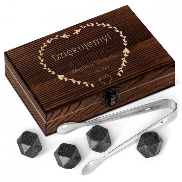 Kamienie do whisky kostki w drewnianym opakowaniu z grawerem jako podziękowanie ślubne
