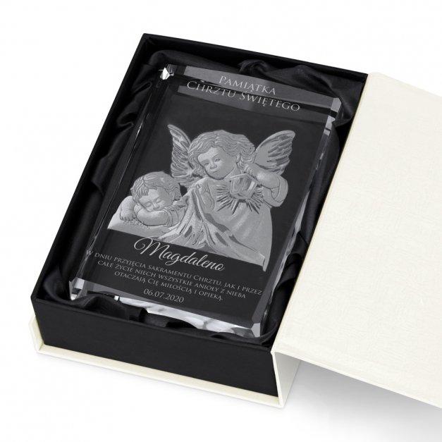 Kryształ 3D grawerowany Anioł Stróż w spersonalizowanym opakowaniu pamiątka chrztu