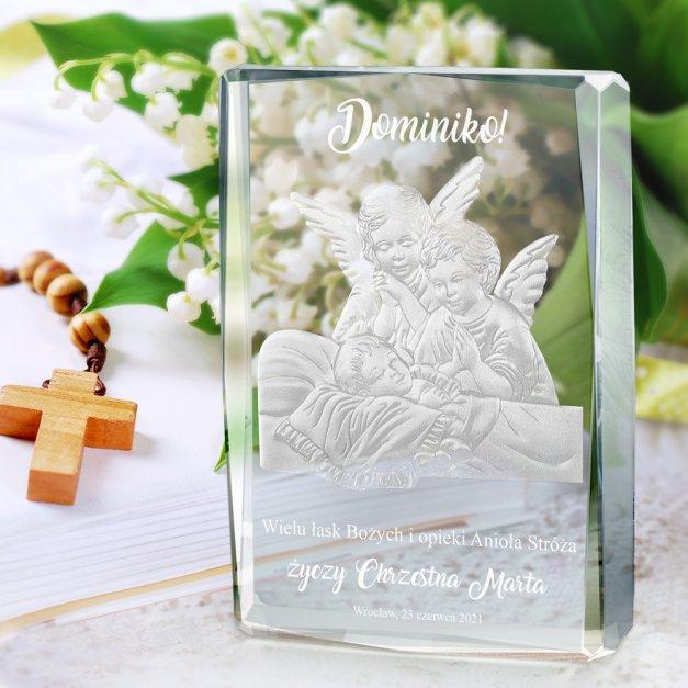 Kryształ 3D grawerowany aniołki w spersonalizowanym opakowaniu na chrzest