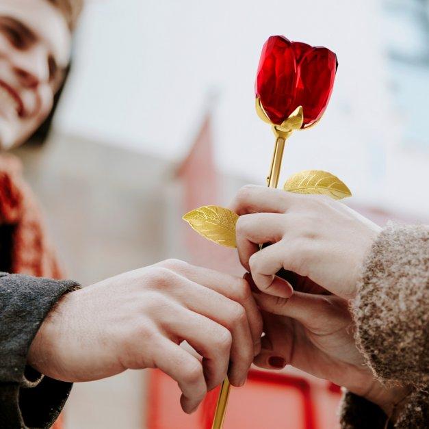 Róża kryształowa w pudełku z nadrukiem dla rodziców jako podziękowanie ślubne