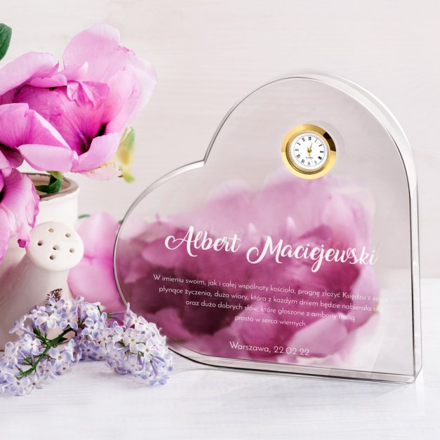 Serce kryształowe grawerowane z zegarem w pudełku z nadrukiem dla księdza na urodziny