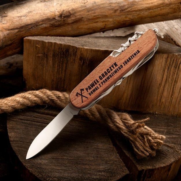 Klasyczny scyzoryk w drewnianej oprawie z grawerem drwal z prawdziwego zdarzenia dla drwala