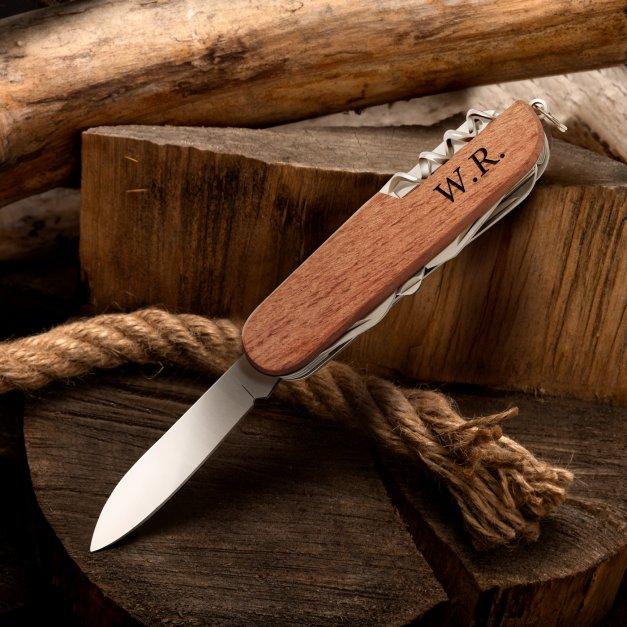 Klasyczny scyzoryk w drewnianej oprawie z inicjałami
