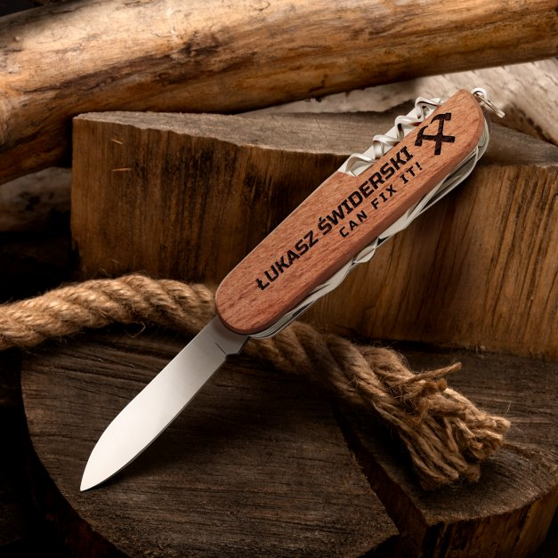 Klasyczny scyzoryk w drewnianej oprawie z grawerem Can fix it dla majsterkowicz