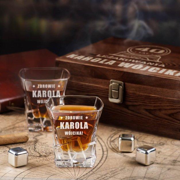 Zestaw kamienie kostki do whisky ze szklankami z grawerem dla niego na 40 urodziny