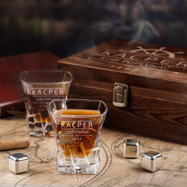 Zestaw kamienie kostki do whisky ze szklankami z grawerem dla niego żeglarza na imieniny