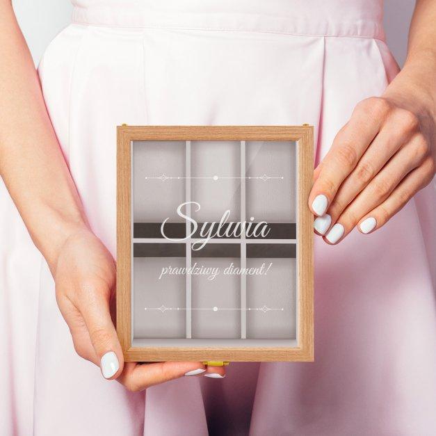 Szkatułka drewniana na 6 zegarków z grawerem prawdziwy diament dla niej