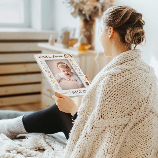 Ramka na zdjęcia biała z nadrukiem dla dziewczynki na narodziny