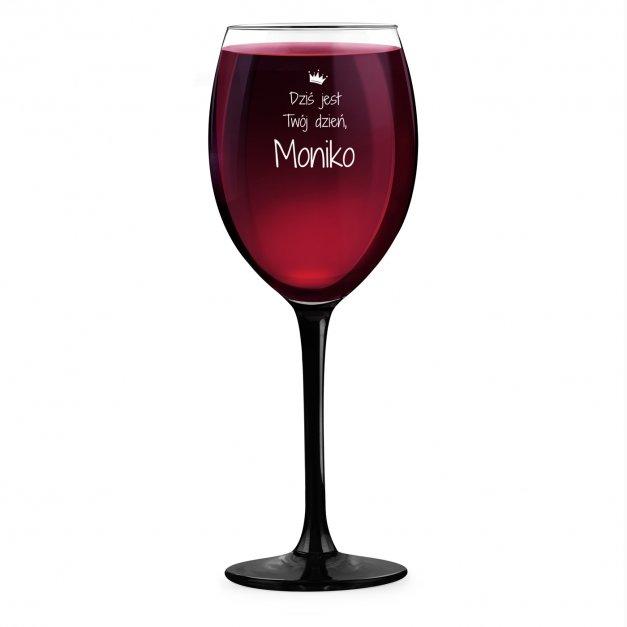 Kieliszek grawerowany do wina z czarną nóżką onyx dla niej na wieczór panieński imieniny 18 urodziny