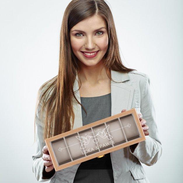 Szkatułka drewniana prostokątna na 6 zegarków z grawerem