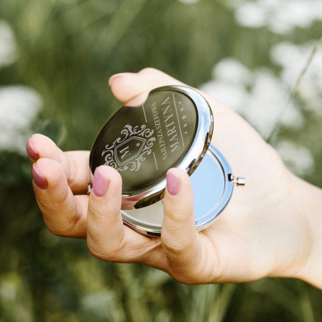 Lusterko okrągłe srebrne z grawerem dla szefowej